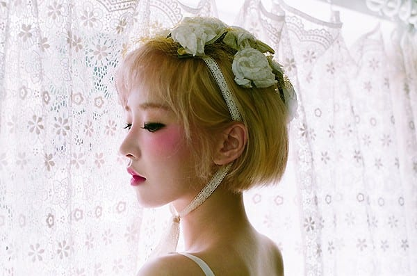 "Gain Shares Her Gentle Side Through ""End Again"" Teaser Photos"