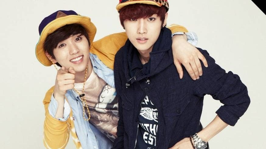"""B1A4's Sandeul Falls Ill, Jinyoung To Take His Place On KBS' """"Sketchbook"""""""