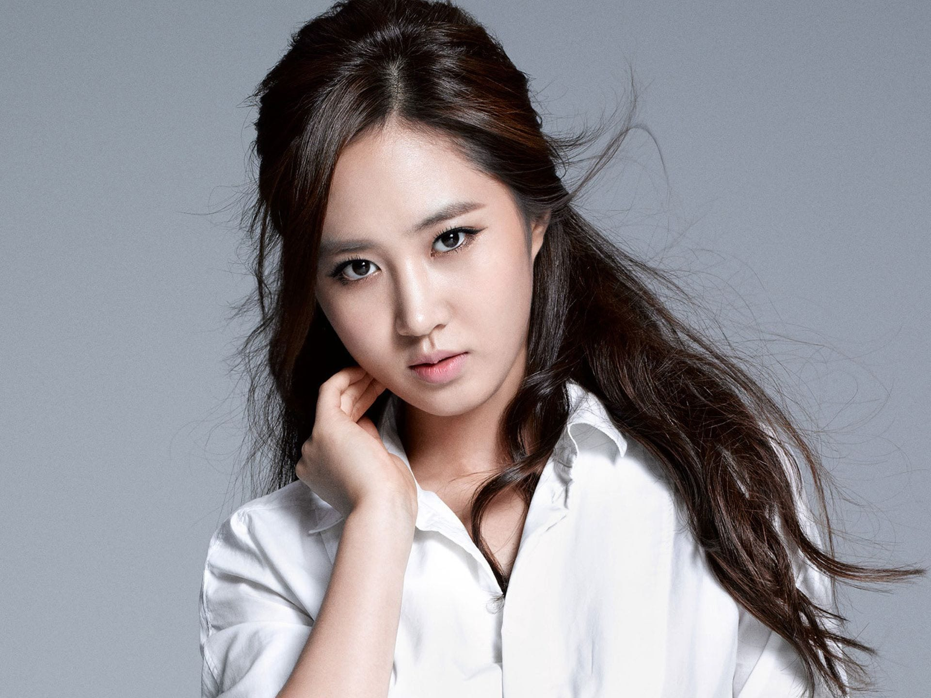 "SNSD's Yuri Confirmed As Lead For New SBS Legal Drama ""Defendant"""