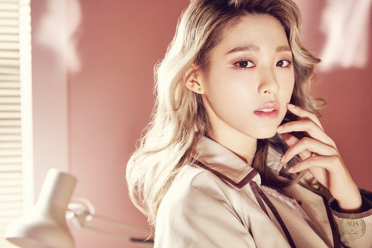 """AOA Releases Members' Individual Teasers For """"Angel's Knock"""""""