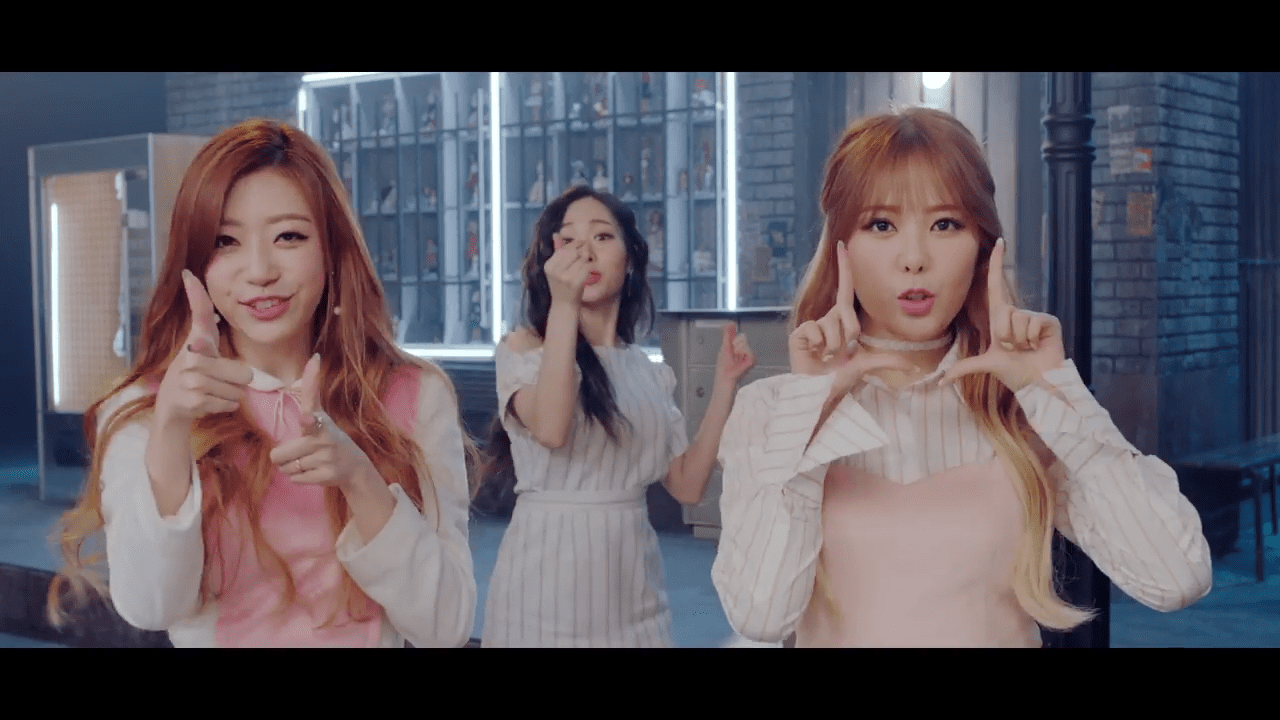 """SONAMOO Is Back With Quirky New MV """"I Think I Love You"""""""
