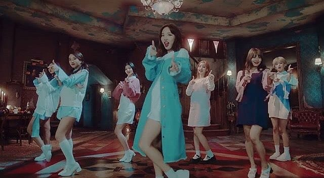 """TWICE's """"TT"""" Becomes Fastest Kpop Song To Reach 100 Million Views On YouTube"""