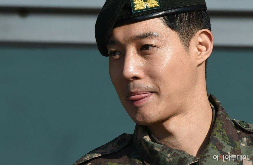 SS501's Kim Hyun Joong Officially Discharged From Military