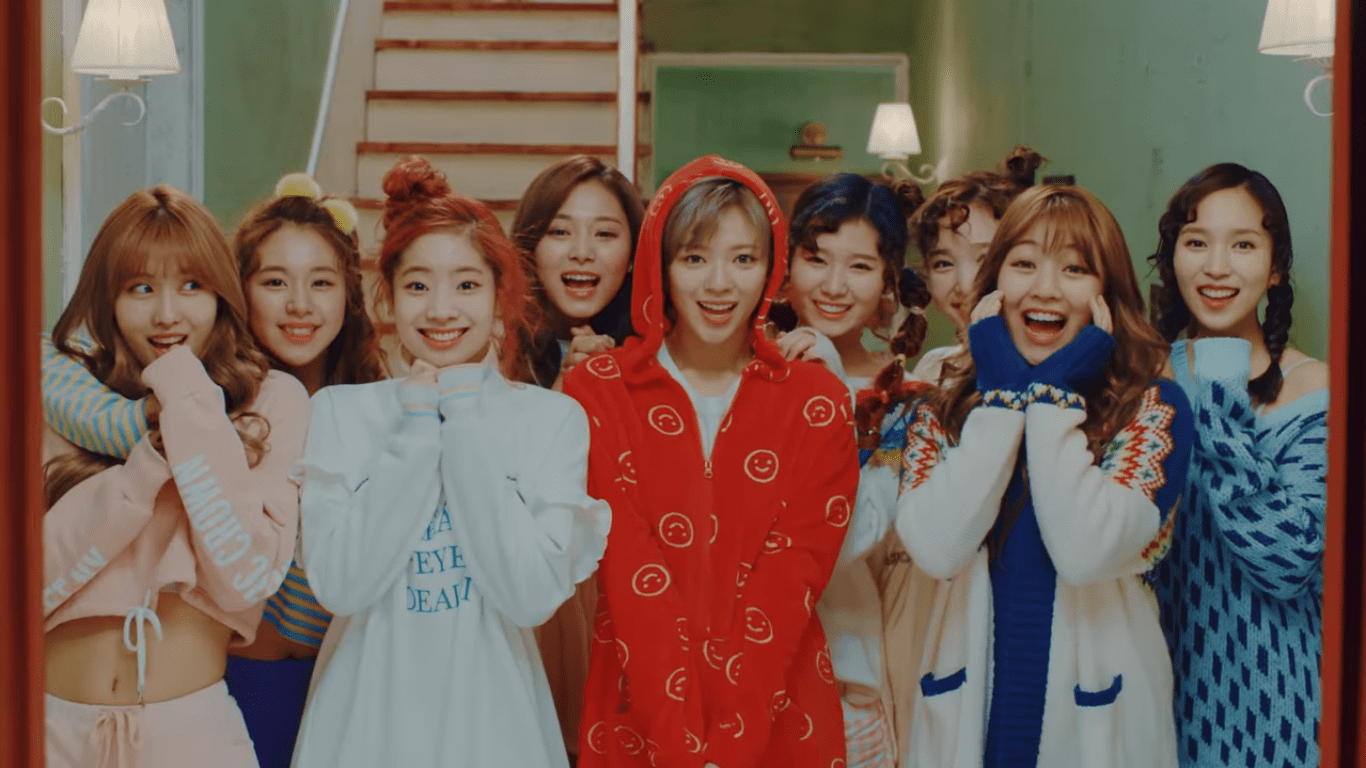 """TWICE Builds Anticipation With MV Teaser For """"Knock Knock"""""""
