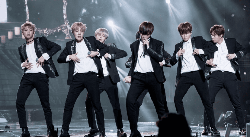 WTK REVIEW: Day 1 Of KCON Mexico Impresses Huge Mexican Audience