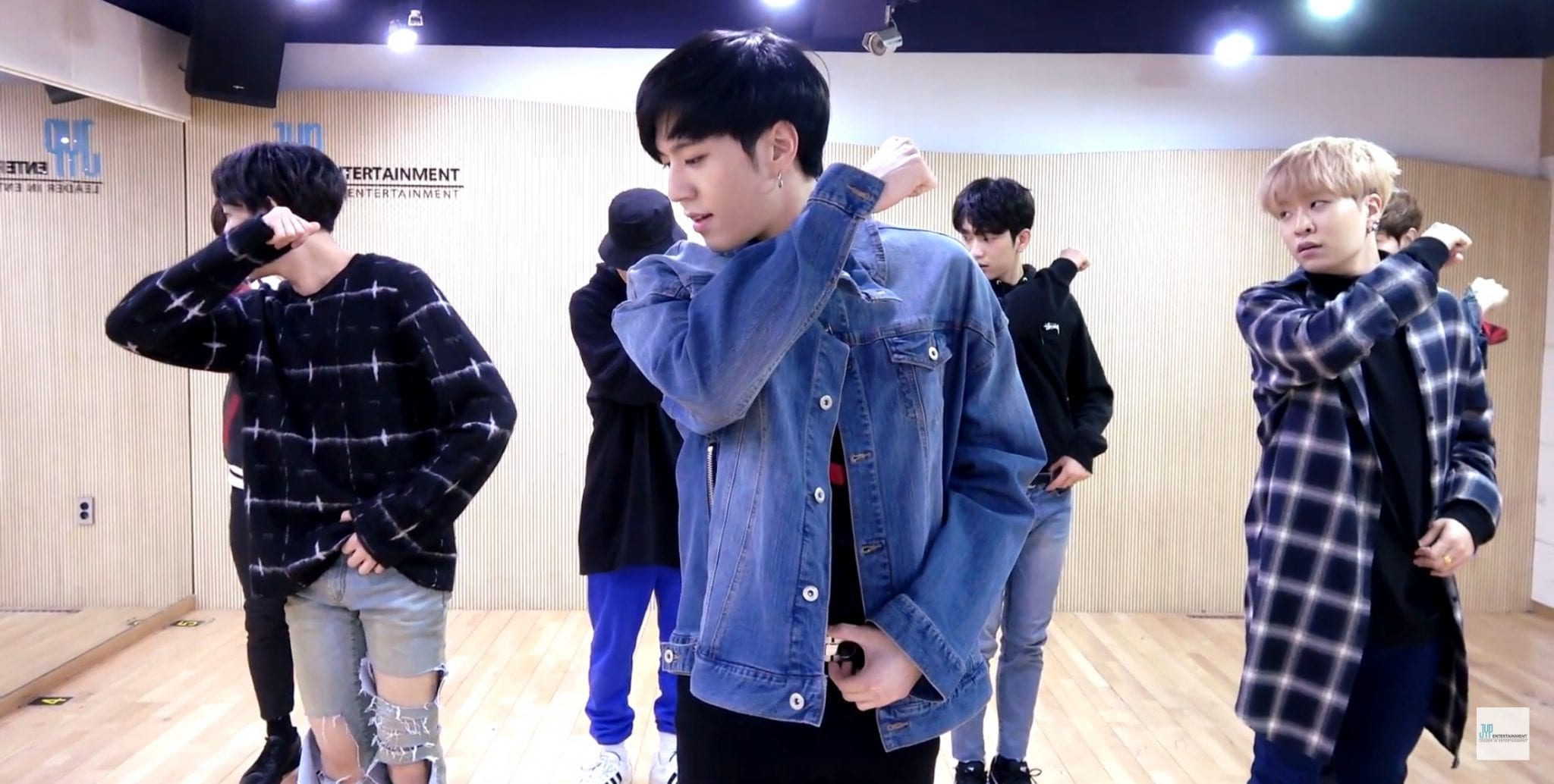 "WATCH: GOT7 Gifts Fans With ""Unlocked"" Dance Practice Video Of ""Never Ever"""