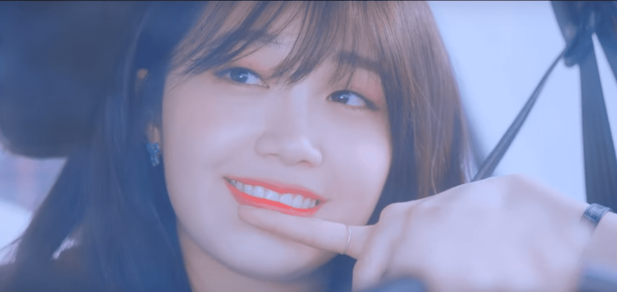 "WATCH: Apink's Eunji Reminisces Over Lost Love In ""The Spring"" MV"