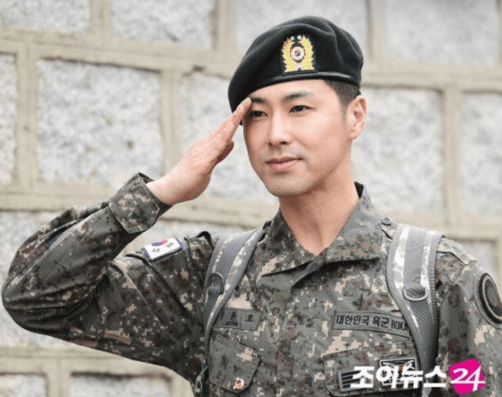TVXQ's Yunho Officially Discharged From Military