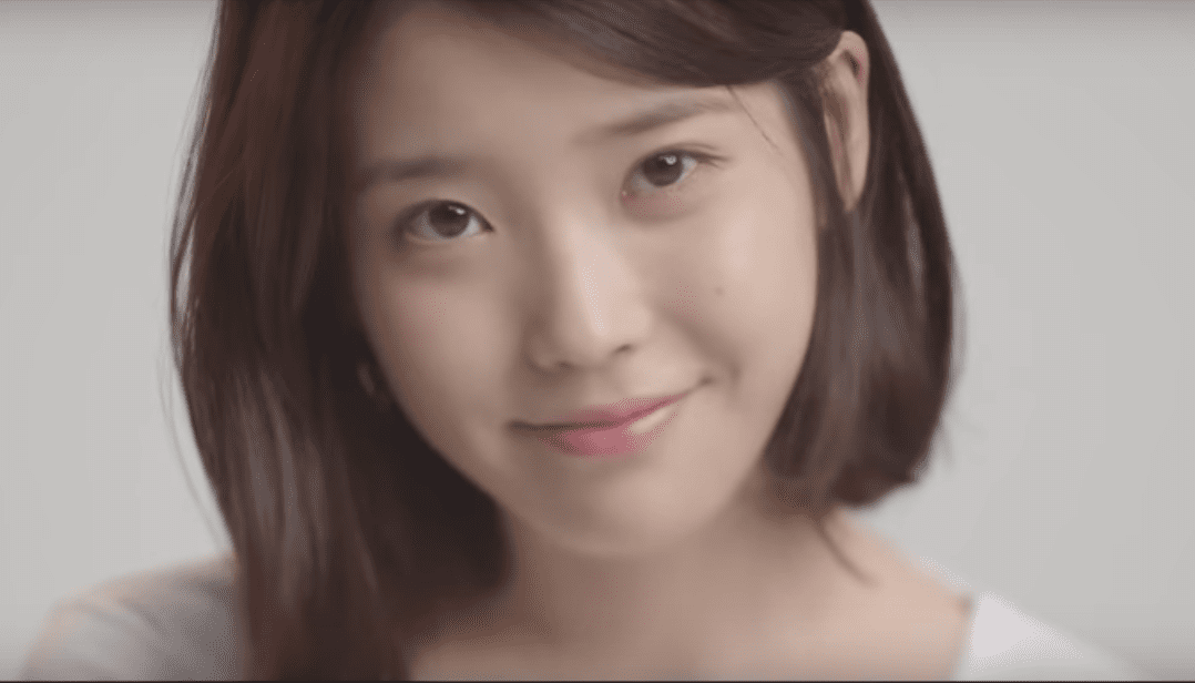 """WATCH: IU Makes Comeback With """"Palette"""" Featuring G-Dragon, Breaks Kpop Record"""