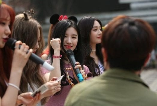 WATCH: PRISTIN Holds First Fan-Meeting In Public Park