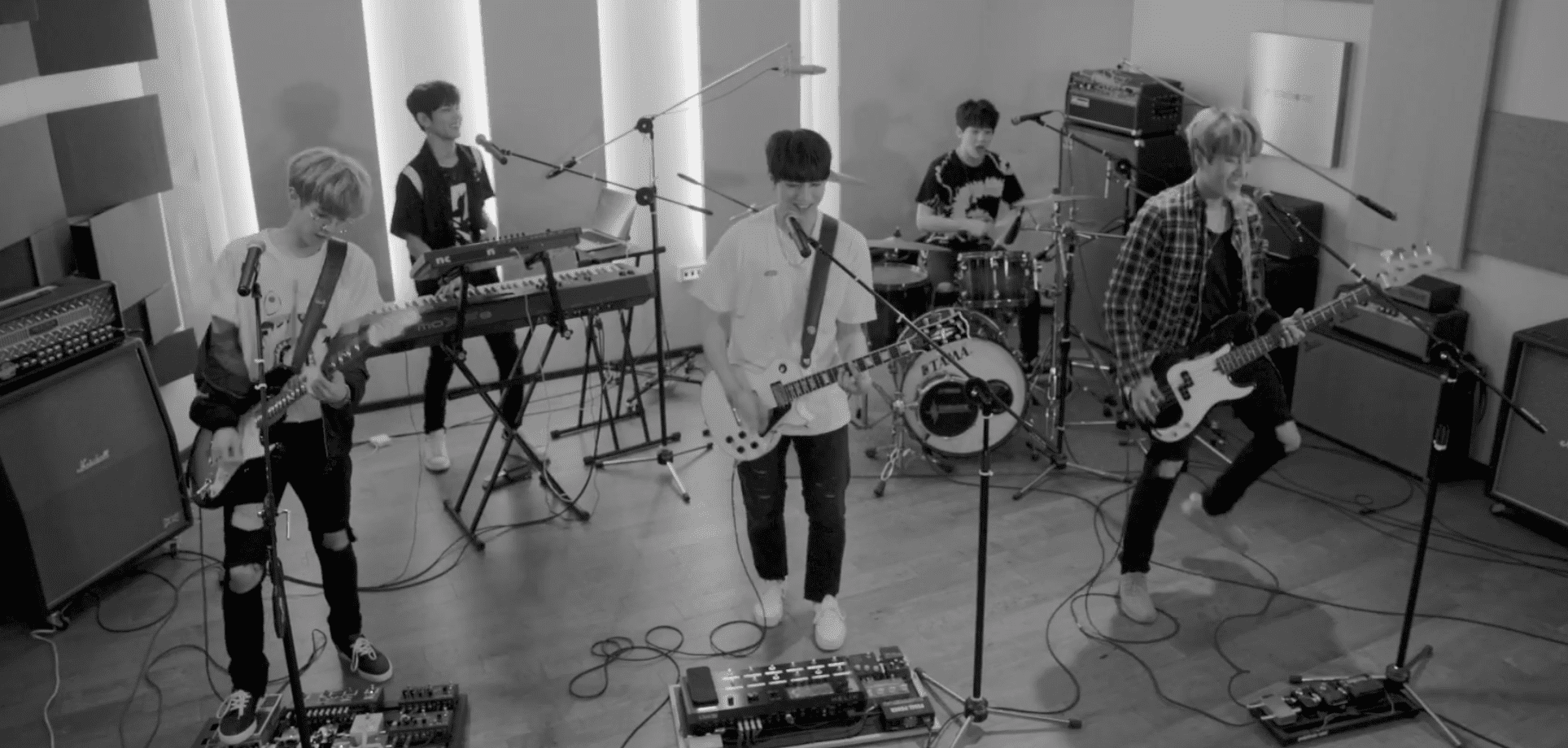 """WATCH: DAY6 Releases Energetic New MV """"DANCE DANCE"""""""
