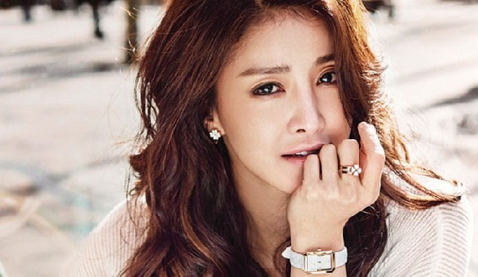 Actress Lee Si Young Shares News Of Upcoming Wedding And Baby