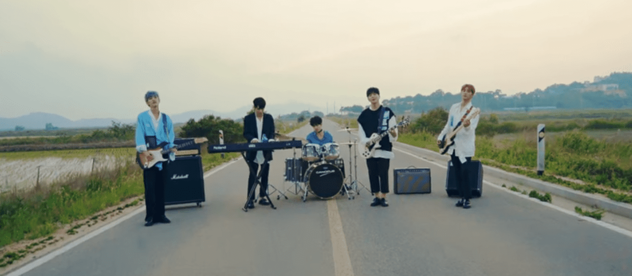 "WATCH: DAY6 Says ""Hi Hello"" To Love In New MV"