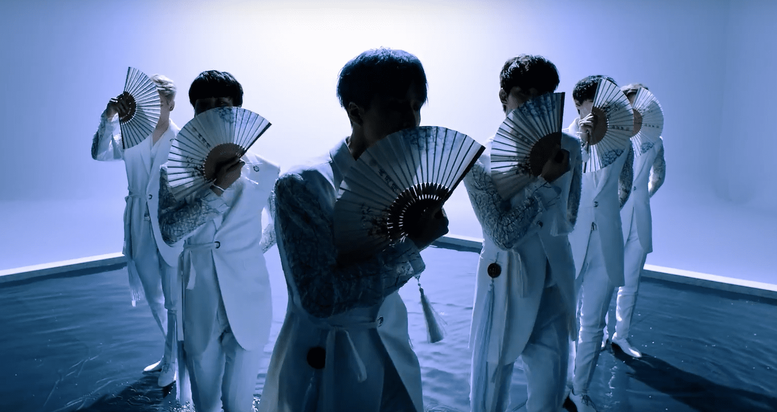 8 Of The Best Props And Objects Used In Kpop Choreography