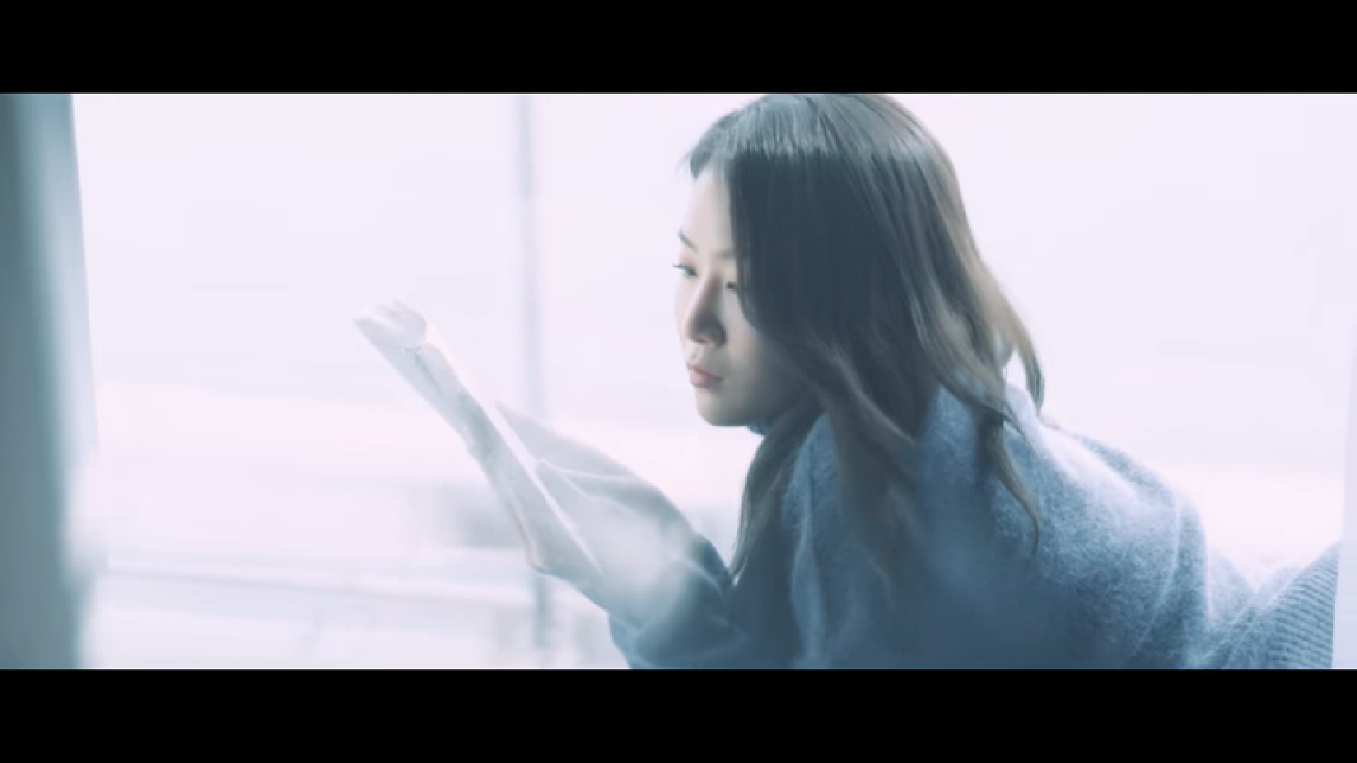 """WATCH: Soyou Surprises Fans With New """"Grown Up"""" MV"""