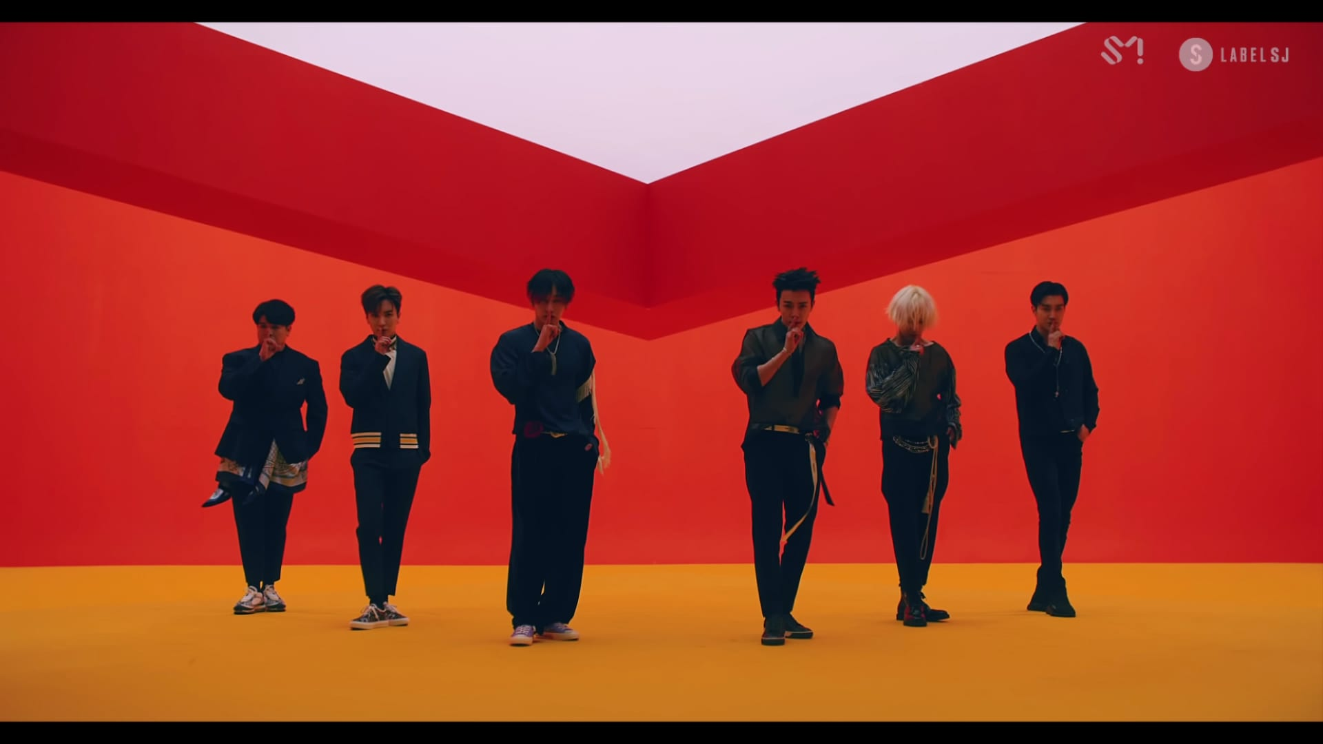 "WATCH: Super Junior Says ""Lo Siento"" In New Comeback MV"