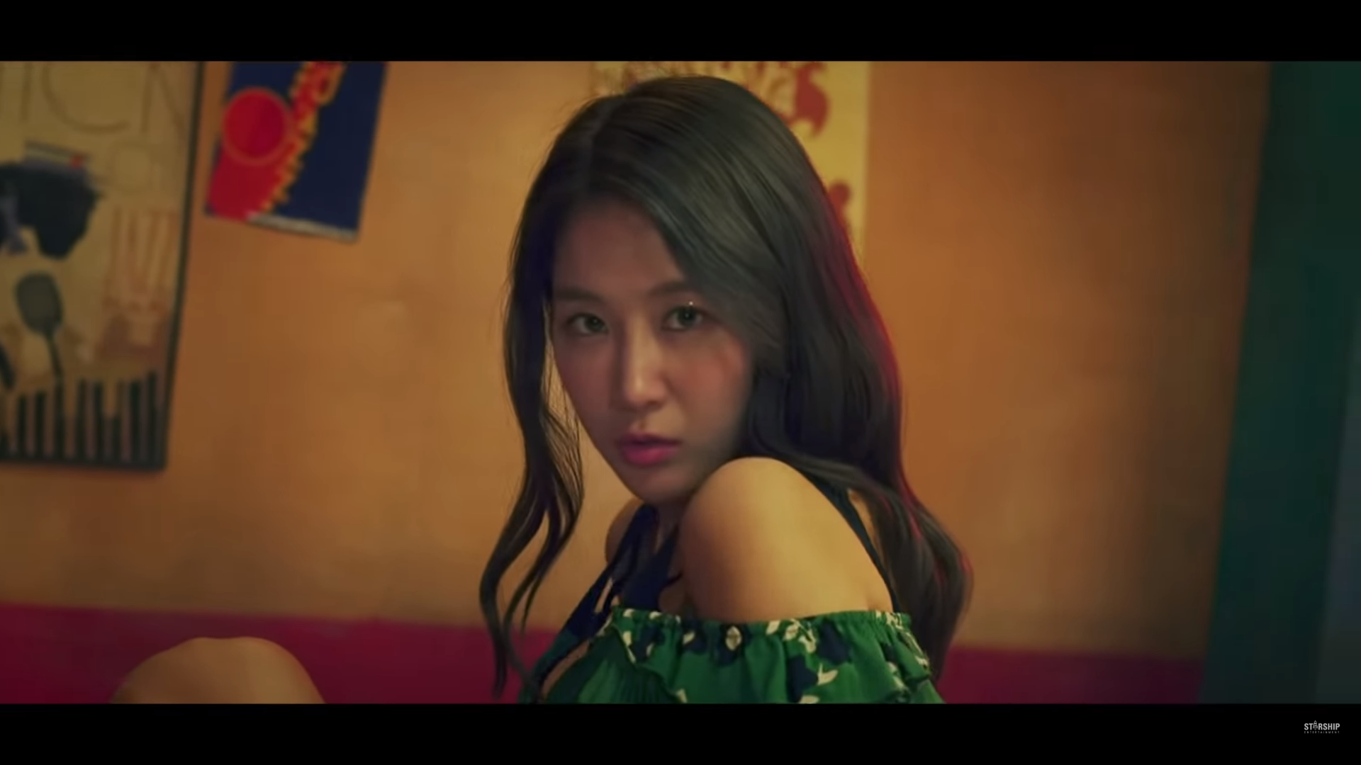 """WATCH: Soyou Is Out To Seduce In New """"All Night"""" MV Featuring Sik-K"""