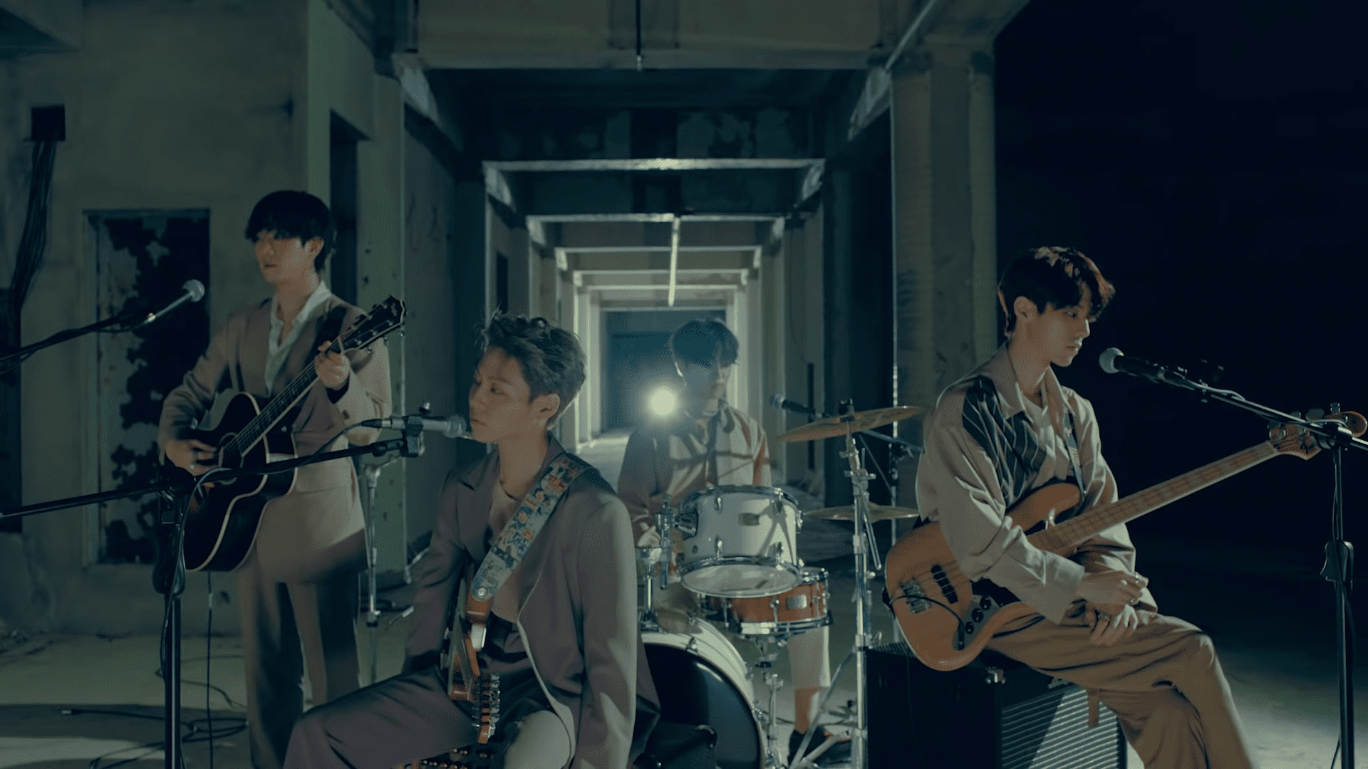 """WATCH: The Rose Makes Sentimental Comeback With New """"She's In The Rain"""" MV"""