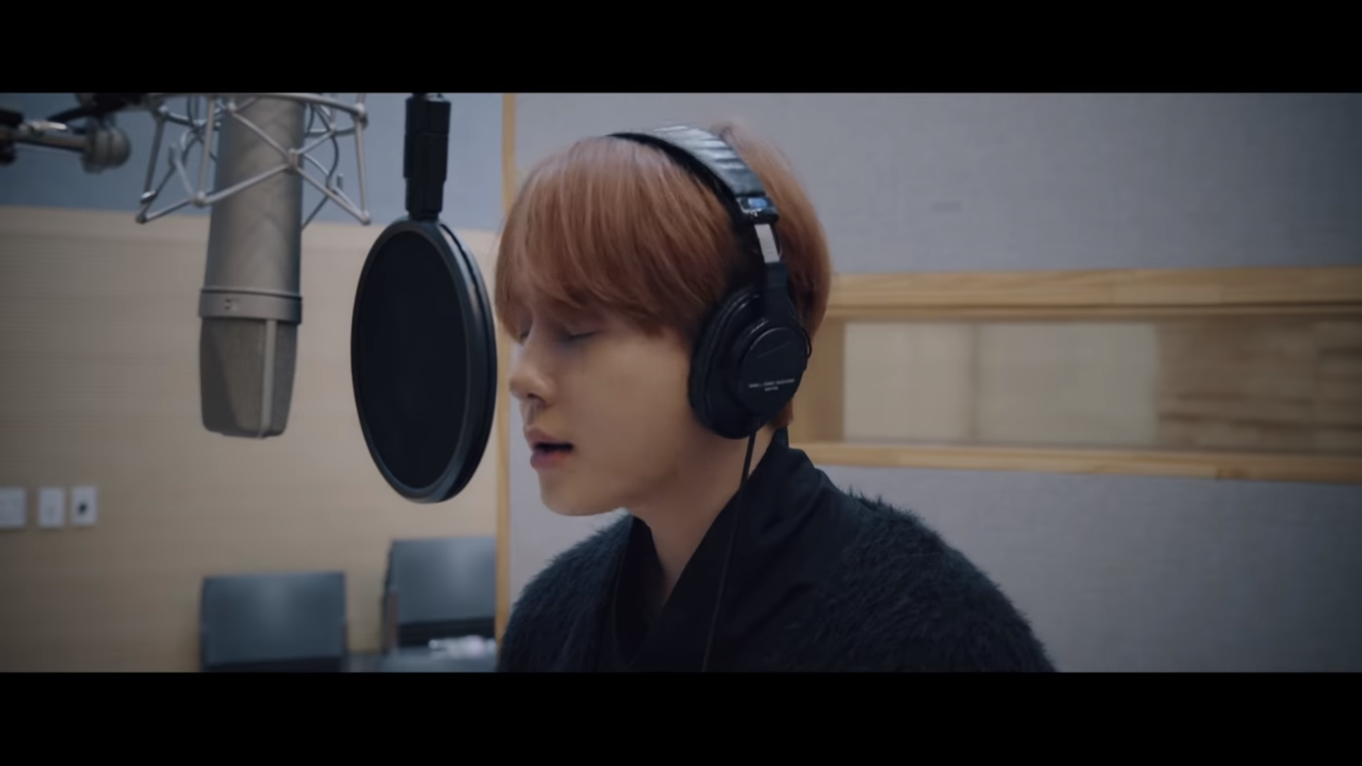 "WATCH: Highlight's Yong Junhyung Drops ""Don't Hesitate"" MV For ""Encounter"" OST"