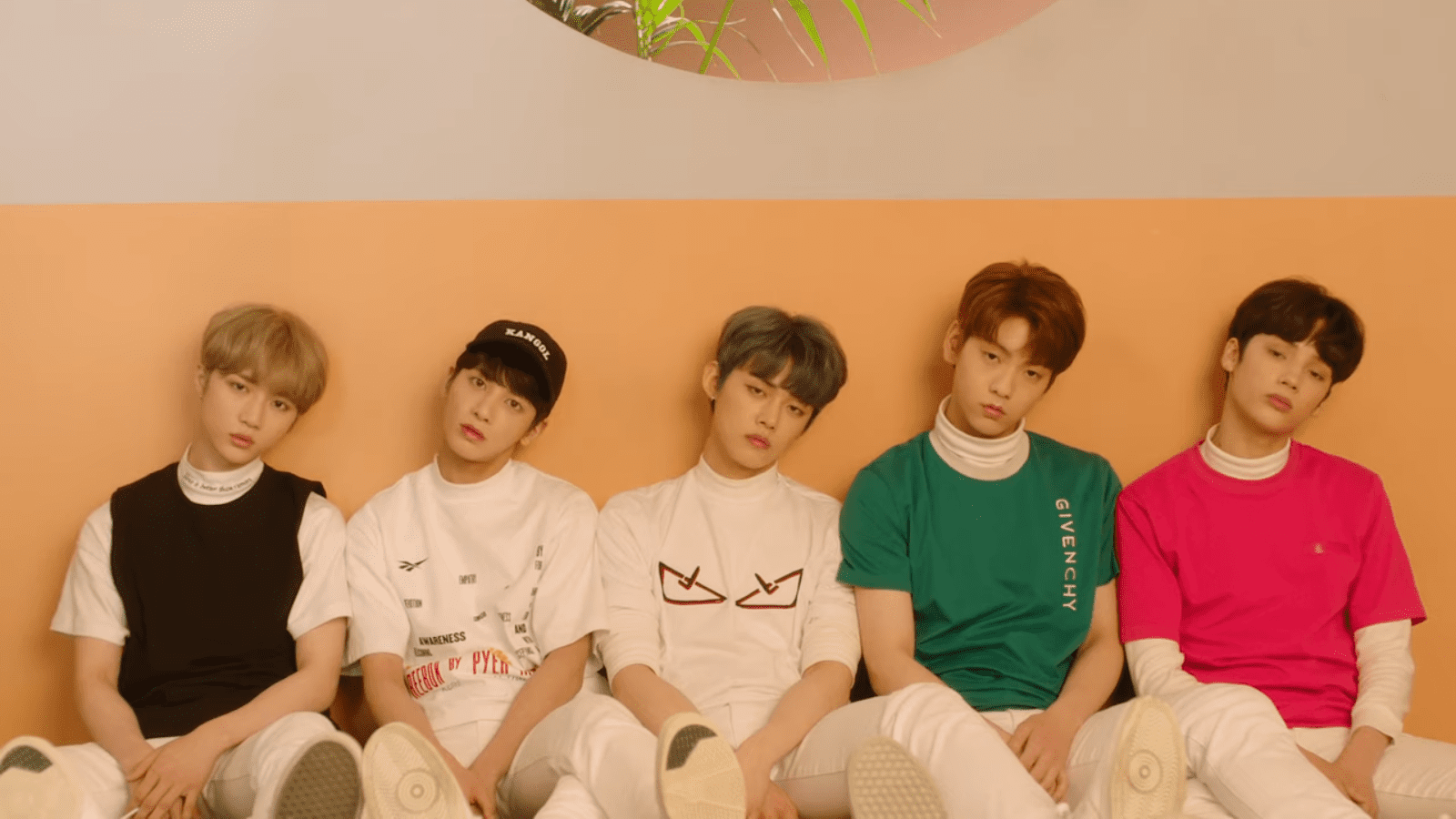 "WATCH: TXT Impresses With Charming MV For ""Cat & Dog"""
