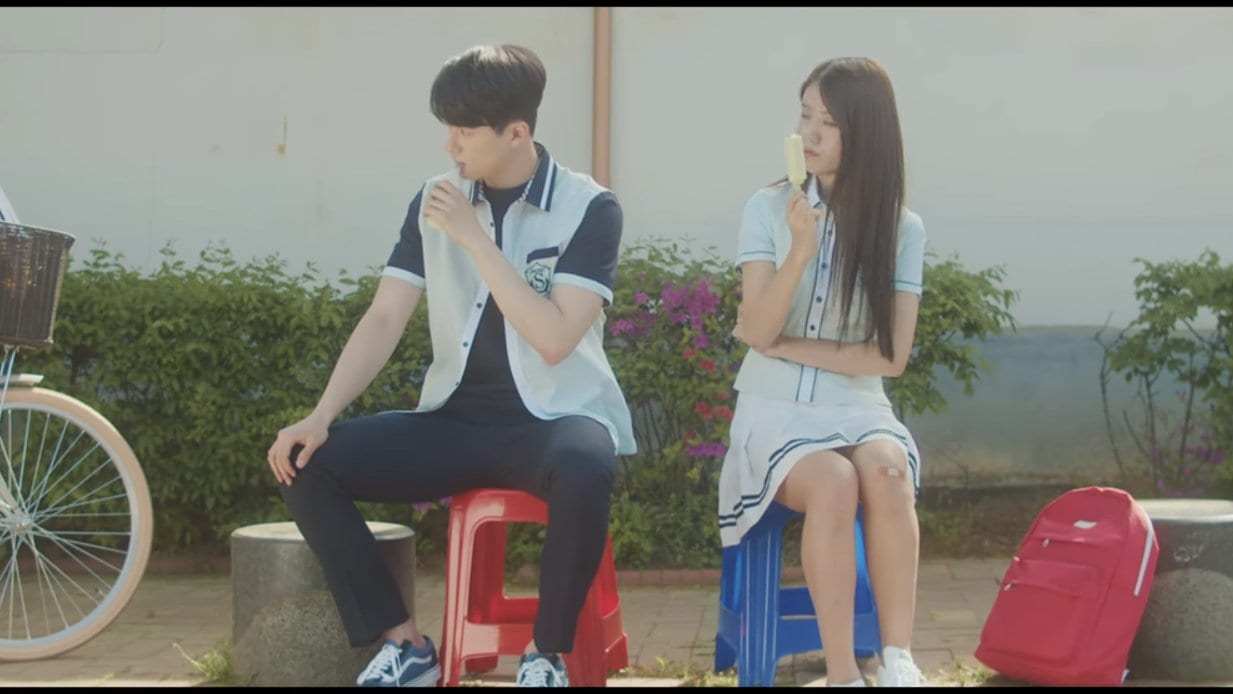 """WATCH: Soyou and OVAN Reflects On Sadness In """"Rain Drop"""" MV Featuring Shin Seung Ho"""