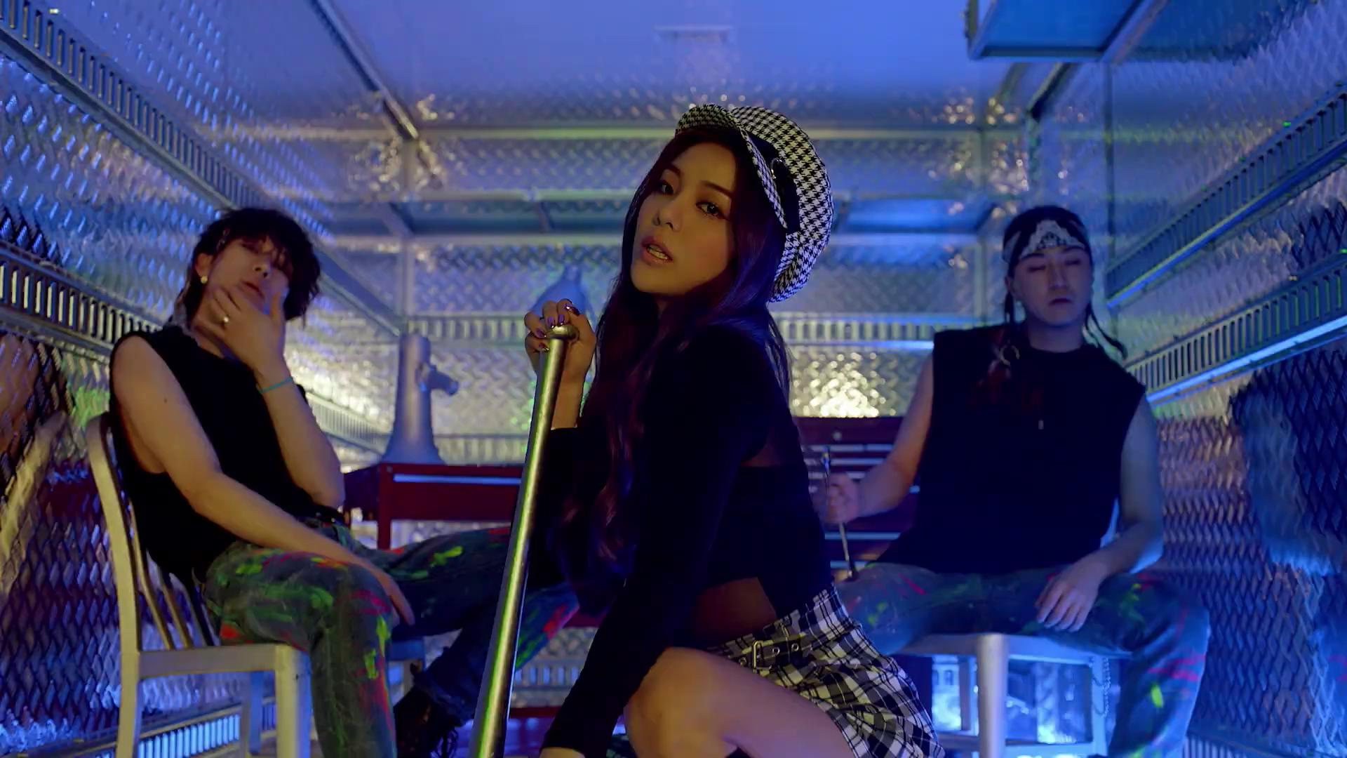 "WATCH: Ailee Makes Much Anticipated Return With Fiesty ""Room Shaker"" MV"