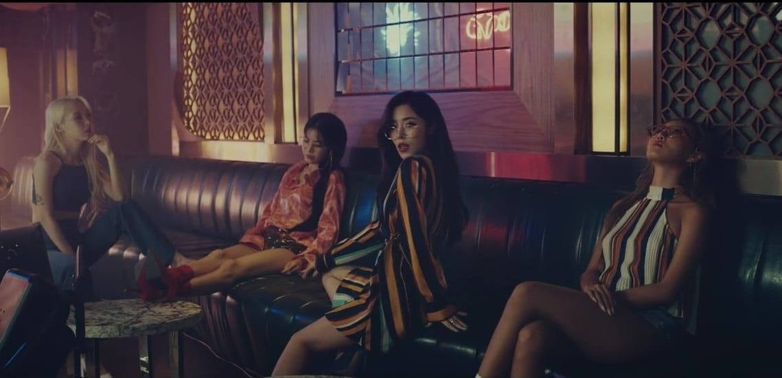 "WATCH: MAMAMOO Releases Music Video For Surprise Single ""Gleam"""