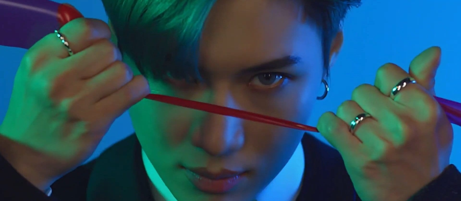 "WATCH: SHINee's Taemin Goes Dark In MV For Japanese Title Track ""Famous"""