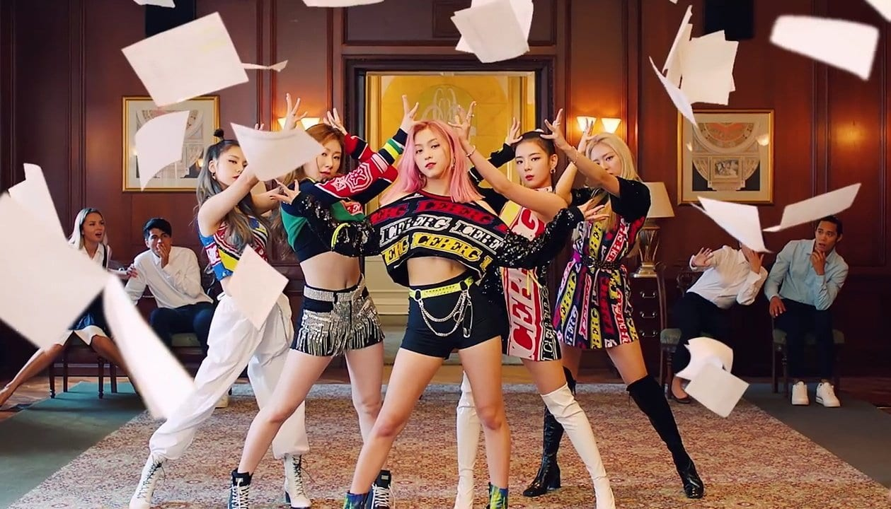 """WATCH: ITZY Returns With Red Hot Flair For """"ICY"""" Music Video"""