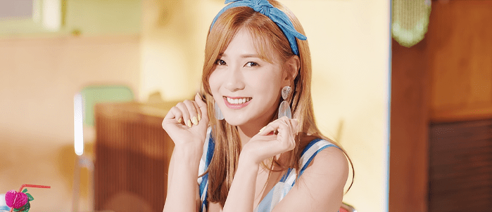 """WATCH: Apink's Hayoung Makes Solo Debut With """"Don't Make Me Laugh"""" MV"""