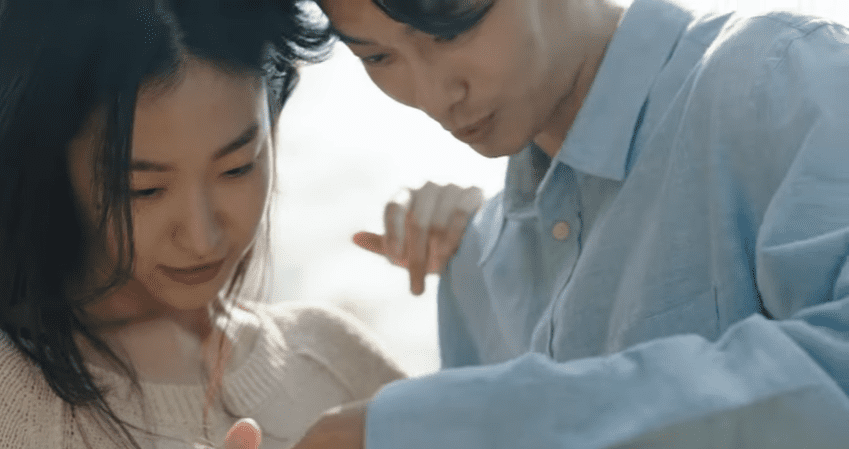 """WATCH: Huh Gak And Jung Eunji Bring Feelings Of Dread And Separation In """"Let You Go"""" MV"""