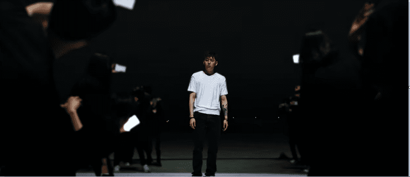 "WATCH: Zico Addresses Speculation And Social Media In Rhythmic ""Extreme"" Music Video"