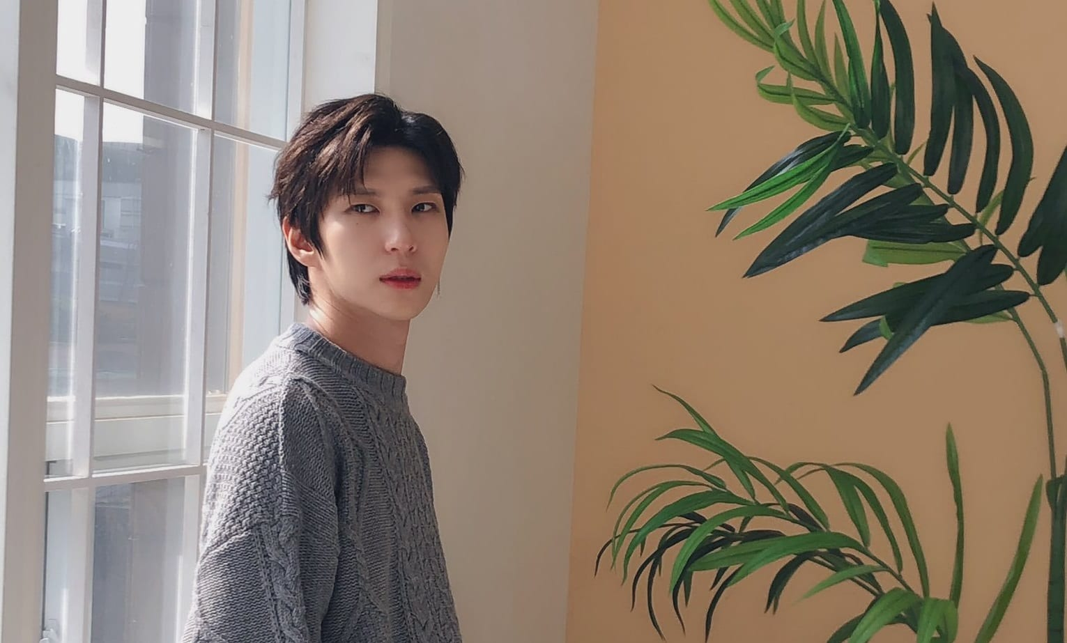 "LISTEN: VIXX's Leo Gifts Fans With Special ""All Of Me"" Birthday Single"