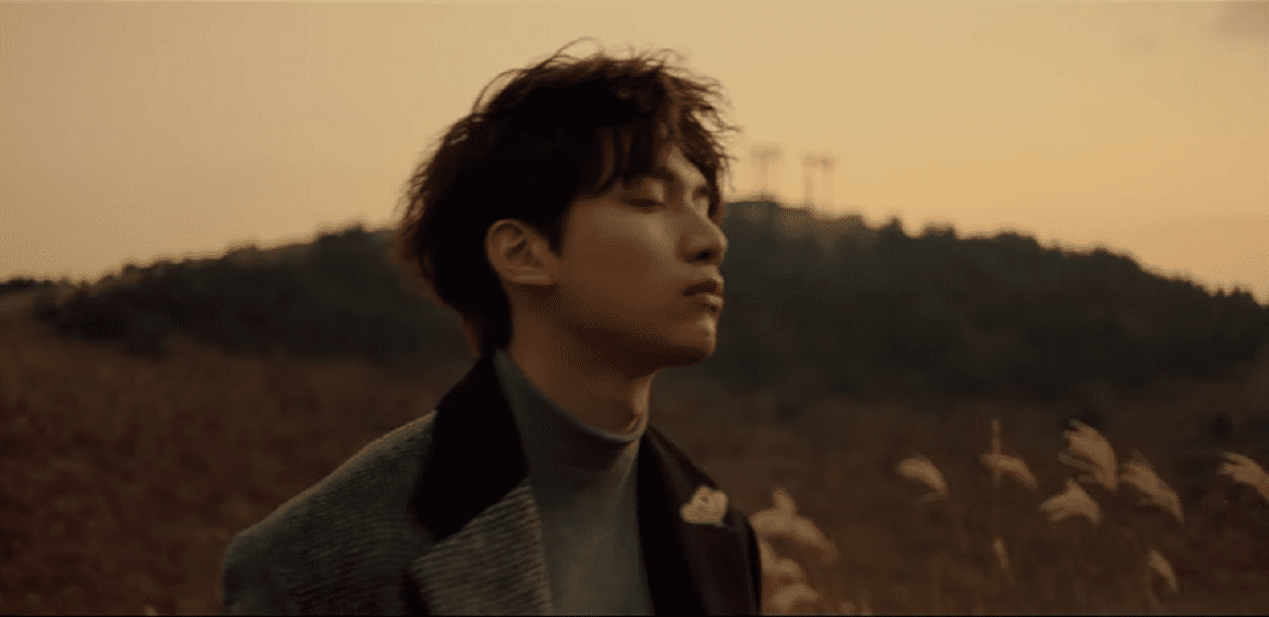 "WATCH: VIXX's Hyuk Offers Solace With Thoughtful ""Winter Butterfly"" Music Video"