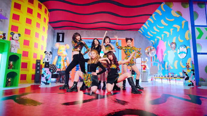 "WATCH: Rocket Punch Leaves An Impact In ""BOUNCY"" Music Video"
