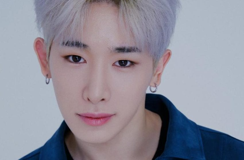 """MONSTA X's """"From Zero"""" Reaches #1 On Billboard's World Digital Song Sales Chart In Honor Of Wonho"""