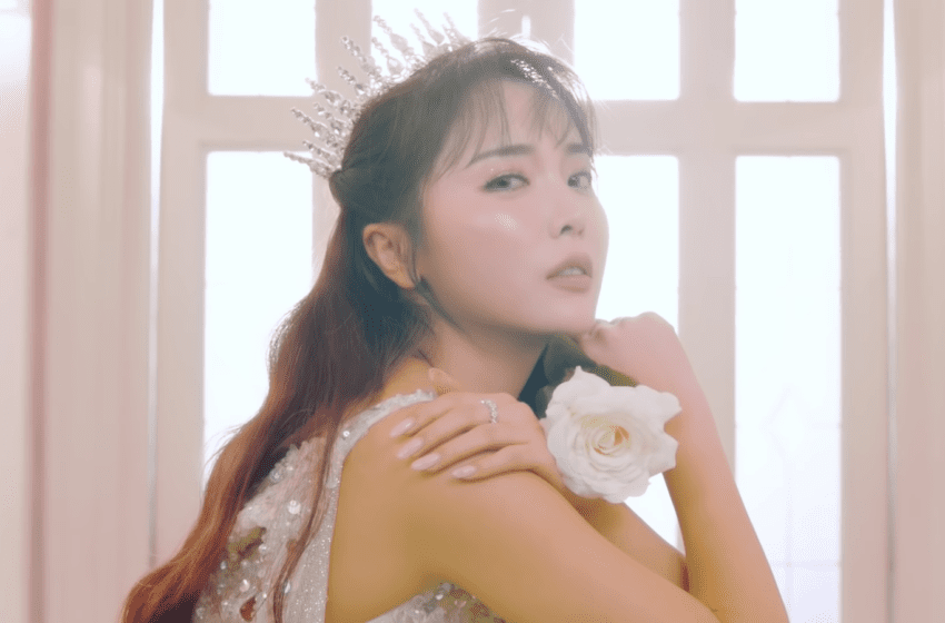 "WATCH: Hong Jin Young Makes Comeback With ""Love Is Like A Petal"" MV"