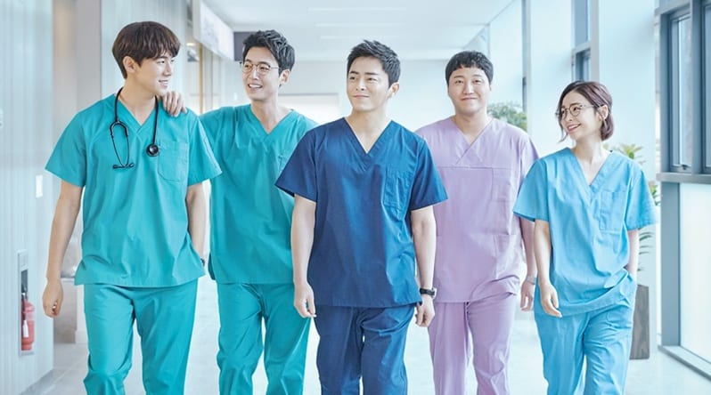 "WTK Drama Review: How ""Hospital Playlist"" Brings Laughter and Healing To Its Viewers Through Life Experiences and Music"