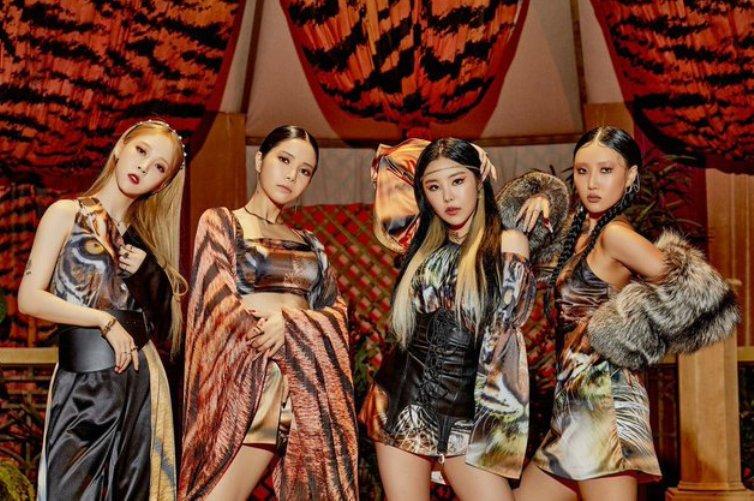 "WATCH: MAMAMOO Wants To Get Rid Of Love In New ""AYA"" MV"